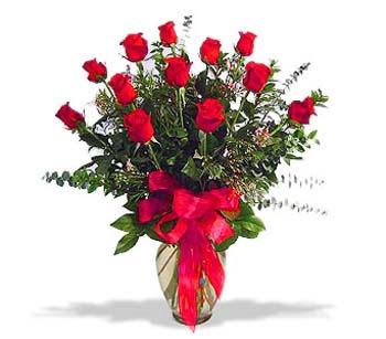 çiçek siparisi 11 adet kirmizi gül cam vazo  Bilecik çiçekçi online çiçek gönderme sipariş