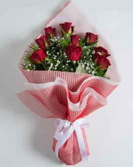 9 adet kırmızı gülden buket  Bilecik çiçekçi çiçek satışı