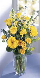 Bilecik çiçekçi online çiçek gönderme sipariş  sari güller ve gerbera cam yada mika vazo