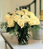 Bilecik çiçekçi çiçek siparişi sitesi  11 adet sari gül mika yada cam vazo tanzim