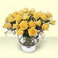 Bilecik çiçekçi çiçekçi telefonları  11 adet sari gül cam yada mika vazo içinde