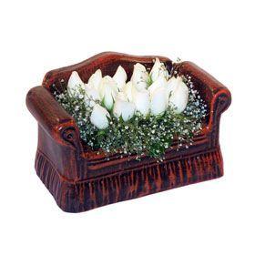 seramik içerisinde 11 gül  Bilecik çiçekçi hediye çiçek yolla