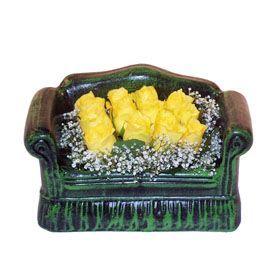 Seramik koltuk 12 sari gül   Bilecik çiçekçi ucuz çiçek gönder