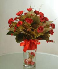 yapay güllerden vazo  9 gül  Bilecik çiçekçi uluslararası çiçek gönderme