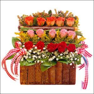 sandikta 3 kat güllerden   Bilecik çiçekçi cicekciler , cicek siparisi
