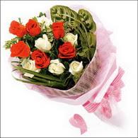 5 kirmizi 5 beyaz güllerden   Bilecik çiçekçi online çiçek gönderme sipariş