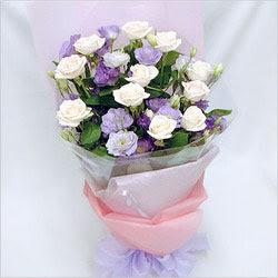 Bilecik çiçekçi internetten çiçek satışı  BEYAZ GÜLLER VE KIR ÇIÇEKLERIS BUKETI