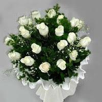 Bilecik çiçekçi hediye çiçek yolla  11 adet beyaz gül buketi ve bembeyaz amnbalaj