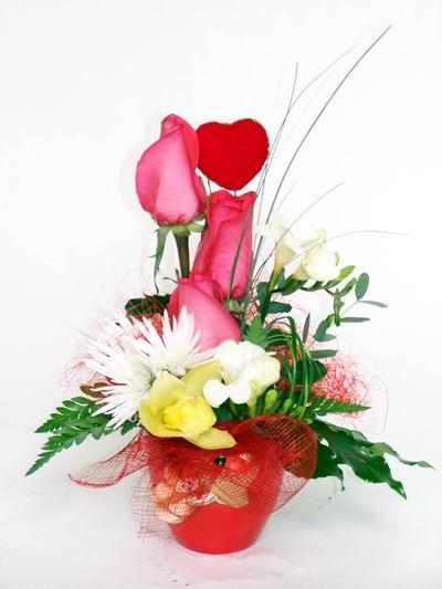 Bilecik çiçekçi ucuz çiçek gönder  cam içerisinde 3 adet gül ve kir çiçekleri