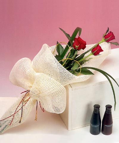 3 adet kalite gül sade ve sik halde bir tanzim  Bilecik çiçekçi internetten çiçek siparişi