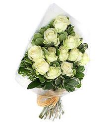 Bilecik çiçekçi online çiçekçi , çiçek siparişi  12 li beyaz gül buketi.