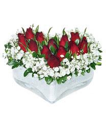Bilecik çiçekçi internetten çiçek siparişi  mika kalp içerisinde 9 adet kirmizi gül