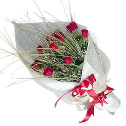 Bilecik çiçekçi yurtiçi ve yurtdışı çiçek siparişi  11 adet kirmizi gül buket- Her gönderim için ideal