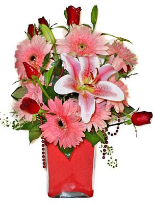 Bilecik çiçekçi cicek , cicekci  karisik cam yada mika vazoda mevsim çiçekleri mevsim demeti