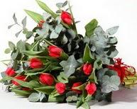 Bilecik çiçekçi çiçek satışı  11 adet kirmizi gül buketi özel günler için