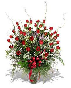 Bilecik çiçekçi çiçek siparişi sitesi  33 adet kirmizi gül vazo içerisinde