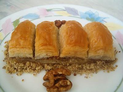 online pastane Essiz lezzette 1 kilo cevizli baklava  Bilecik çiçekçi cicek , cicekci