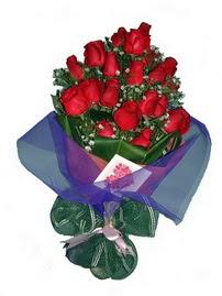 12 adet kirmizi gül buketi  Bilecik çiçekçi online çiçek gönderme sipariş