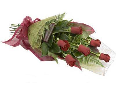 ucuz çiçek siparisi 6 adet kirmizi gül buket  Bilecik çiçekçi çiçek siparişi sitesi