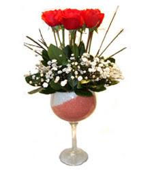 Bilecik çiçekçi çiçekçiler  cam kadeh içinde 7 adet kirmizi gül çiçek