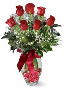 7 adet vazoda gül  Bilecik çiçekçi internetten çiçek satışı  kirmizi gül