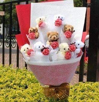 Bilecik çiçekçi çiçek siparişi vermek  9 adet ayicik ve 9 adet yapay gül
