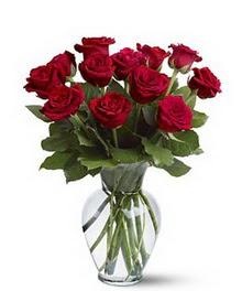 Bilecik çiçekçi çiçek gönderme sitemiz güvenlidir  cam yada mika vazoda 10 kirmizi gül