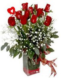 Bilecik çiçekçi çiçek siparişi vermek  9 adet mika yada cam vazoda gül tanzimi kalp çubuk