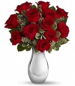 Bilecik çiçekçi çiçek siparişi vermek   vazo içerisinde 11 adet kırmızı gül tanzimi