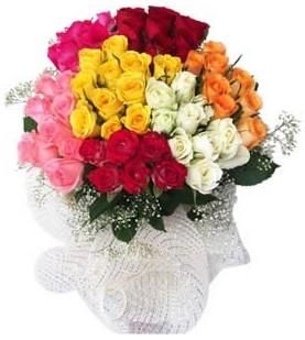 Bilecik çiçekçi çiçekçi telefonları  51 adet farklı renklerde gül buketi