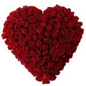 Bilecik çiçekçi çiçekçi mağazası  muhteşem kırmızı güllerden kalp çiçeği