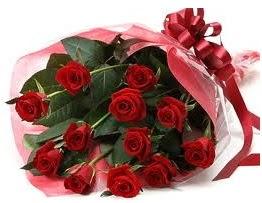 Sevgilime hediye eşsiz güller  Bilecik çiçekçi uluslararası çiçek gönderme