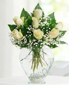 Cam içerisinde 7 adet beyaz gül  Bilecik çiçekçi cicekciler , cicek siparisi