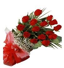 15 kırmızı gül buketi sevgiliye özel  Bilecik çiçekçi çiçek gönderme sitemiz güvenlidir