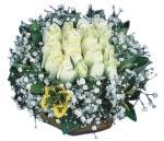 Bilecik çiçekçi çiçekçiler  Beyaz harika bir gül sepeti
