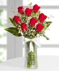 7 Adet vazoda kırmızı gül sevgiliye özel  Bilecik çiçekçi çiçek siparişi sitesi