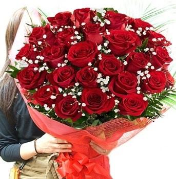 Kız isteme çiçeği buketi 33 adet kırmızı gül  Bilecik çiçekçi çiçek gönderme sitemiz güvenlidir