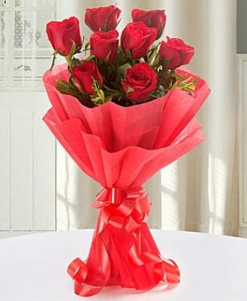 9 adet kırmızı gülden modern buket  Bilecik çiçekçi İnternetten çiçek siparişi