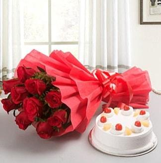 12 adet kırmızı gül buketi ve 4 kişilik yaş pasta