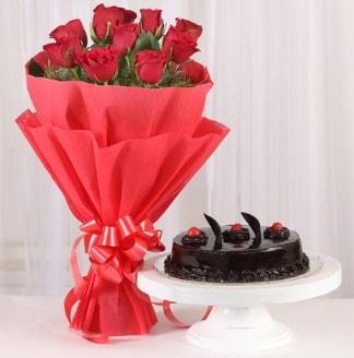 10 Adet kırmızı gül ve 4 kişilik yaş pasta  Bilecik çiçekçi internetten çiçek satışı